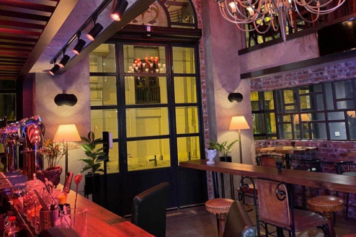 Restaurant ve Pub